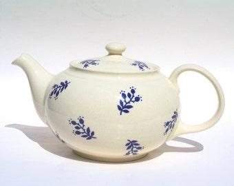 Denimware Ralph Lauren Teapot Made in England , White and Blue Ralph Lauren Teapot , Denimware Collection , Denimware Ralph Lauren China