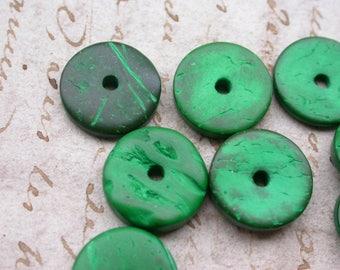 set of 20 beads green flat wooden 1.5 cm in diameter