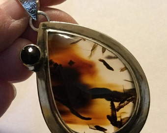 Montana Agate Pendant With Black Spinel