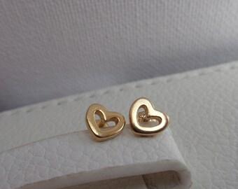 Heart Vermeil Studs. Vermeil Earrings. Dainty Earrings. Minimalist Gold Stud Earrings. Gold Plated Stud Earrings. Dainty Hearts Earrings.