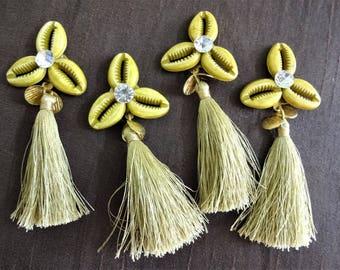 Cowrie Flowers, Cowry Shell Motifs, Cowry Shell Rosettes, Acrylic Cowries with Tassel, Decorative Cowrie Tassels, Silk Tassels - 4 pcs