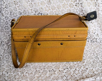 Vintage Hartmann Luggage Leather Train Case, Cosmetic Bag, 1950's, Mid Century Modern, Luggage, Shabby Chic, Traveling Case, Vanity Case