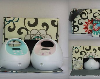 XS Ella style Spectra Breast Pump Bag in Pom Pom Play Peachtini print with zipper top