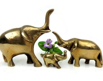 Elephant Figurine Brass Figurine Brass Elephant Mama - Baby Elephant Elephant Decor - Miniature elephant - Brass animal home decor