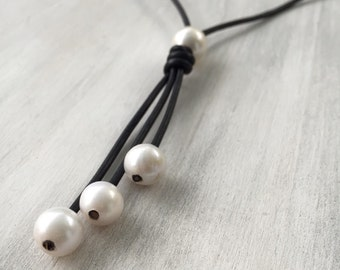 Leather pearl necklace, gift for her, tassel necklace, freshwater pearl necklace, pearl necklace, leather and pearls, leather necklace