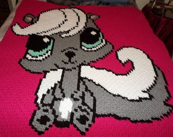 Skunk Baby Big eyed mini c2c pattern and graph with written color and block instructions