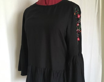 Black Blouse Embroidered Blouse  Ruffled Sleeves Loose  Fit  Blouse XL Chest 42 inch