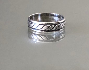 Vintage Twisted Cable Sterling Silver Band Ring