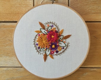 Vintage Inspired Floral Embroidery Hoop Art. Gift for Mom. Housewarming Hoop Art. Floral Wall Art. Home Wall Art. Home Decor. Wall Hanging
