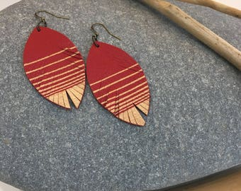 Leather feather metallic earrings in red