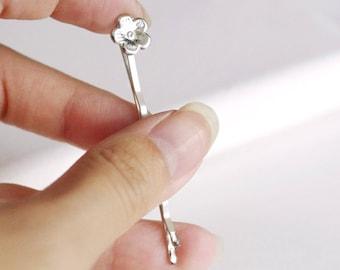silver flower hair pin . cute flower bobby pin . woodland hair accessory . botanical wedding hair clip . flower hair pin . flower bobby pin