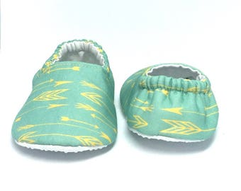 9-12mo RTS Baby Moccs: Arrows / Lemon on Sea Glass / Baby Shoes / Baby Moccasins / Vegan Moccs / Soft Soled Shoes / Montessori Shoes