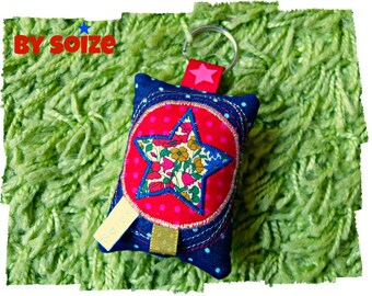 Porte clés tissu Liberty appliqué étoile