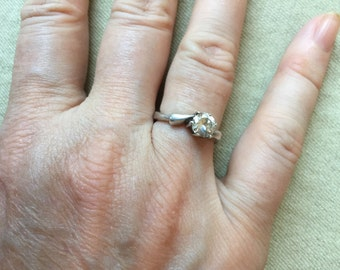 Sterling Solitaire Ring -- 726