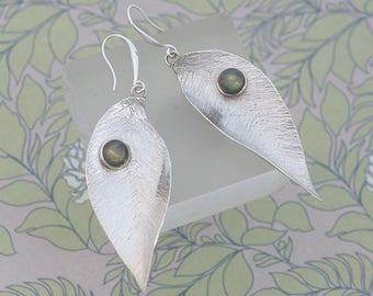 Labradorite Earrings, Silver Leaf Earrings, Silver Earrings, Curled Silver Leaf Earrings, Labradorite Jewelry, Green Earrings Gift For Her