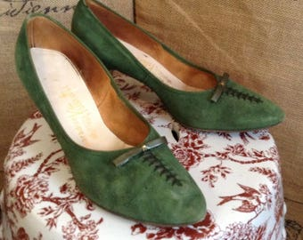 1960's Kitten-ettes green suede pumps