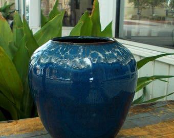 Blue Open Mouth Vase White Crazing Design /  Artist Signed Western North Carolina Pottery Vase / Prissys Newberry Antiques