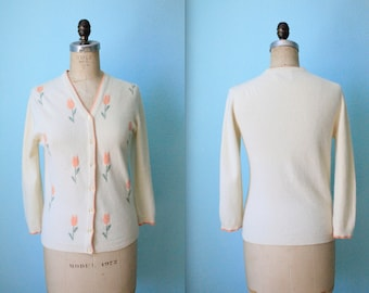 vintage 50s Bobbie Brooks intarsia tulip wool cardigan sweater / womens size xsmall to small