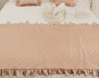 Taffetá Pink Bed Runner