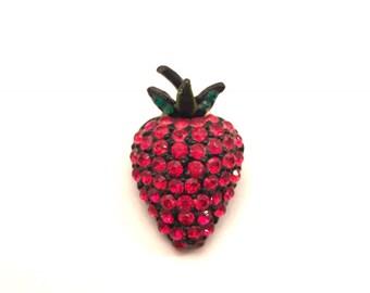 Vintage HOLLYCRAFT Red Strawberry Brooch Japanned back