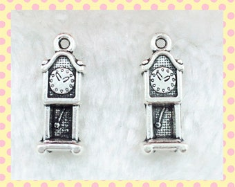 8x Grandfather Clocks, 8 x 20mm Silver Plated Zinc Alloy Charms, Pendant, key rings, zipper closer, wine glasses, butterfly