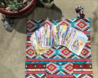 Teal flèches tribales et arbres externe avec intérieur inspiré amérindien - jeu de Tarot poche Mat - Tarot pochette de voyage
