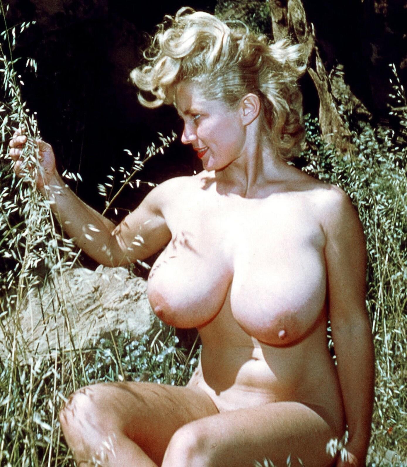 Virginia Dalbeck  nackt