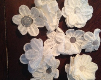 24 Daisies White Embroidered Floral Daisy Flower Appliques.