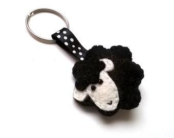 Felt sheep keychain - black sheep - lamb - felt accessories - eco friendly - gift for him - gift for her - key holder - felt animals