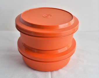Se of 2 Vintage Orange Tupperware Containers /Kitchen Accessories
