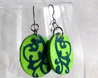 Green Hanji Paper Earrings Dangle Lime Green Emerald Earrings Swirl Design Hypoallergenic hooks Lightweight Ear rings Spring Jewelry