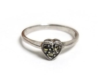 925 Sterling Silver Marcasite Heart Ring Size 8