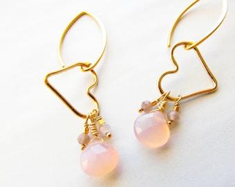 Gold Heart Earrings, Pink Chalcedony Earrings, Choсolate Moonstone Earrings, Gemstone Earrings, Gemstone Jewelry, Moonstone Jewelry