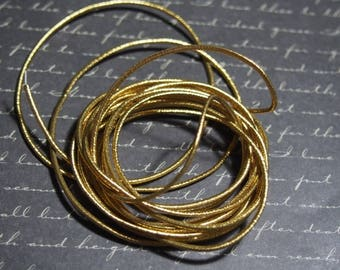 50cm cord 1.5 mm round and gold elastic