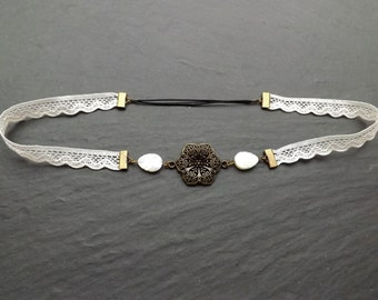 "headband ""judy"" consisting of unbleached cotton lace, Pearl, primers brass sheet"