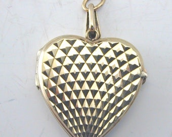 Yellow Gold 9ct Patterned Heart Locket made in 1966