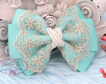 Neu: Ella Grace Collection - schöne AQUA Seafoam Green Ribbon und Spitze Haare Bogen Applique. Bow Knot Haar-Zubehör. Stoff Perlmutt Bogen.