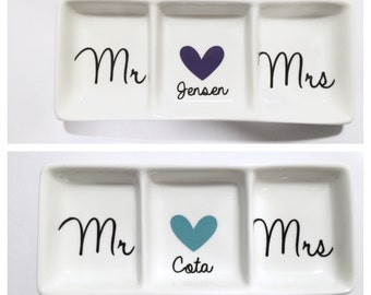 Mr and Mrs Ring Dish, Personalized ring dish, Gift for Couple, Bridal Shower gift, Wedding gift, Engagement Gift, Gift for my Valentine
