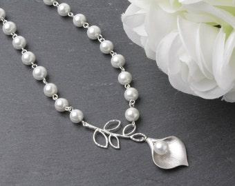 Bridal Pearl Necklace, Bridal Calla necklace, White pearl Wedding necklace, Wedding jewelry, Bride necklace, silver calla necklace