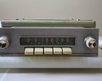 Radio-1959 Ford Push Button & Manual Tuning Transistor Radio