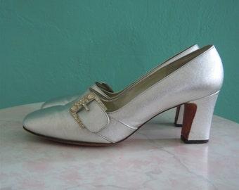 vintage 60's silver metallic mod heel // shoe size 8 size 41
