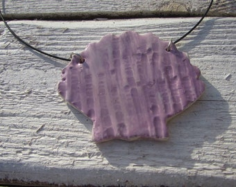 "Ceramic shell necklace on 18"" memory wire *Handmade in Cornwall*"