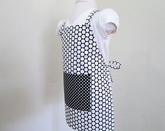 Childrens Apron - Kids Apron - Black and White Polka Dots - Boy or Girl Apron, kitchen apron, painting apron, baking apron, fun to create in