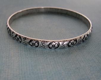 NEW Silver Floral Bangle Bracelet 3775