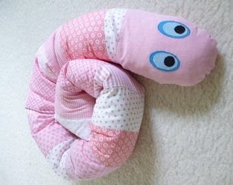Patchwork Bed Worm for a Baby Bed, light-red and white