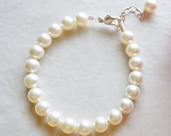 Bracelet Flower Girl First Communion Baptism Classic Pearl in 14kt Gold Fill B041
