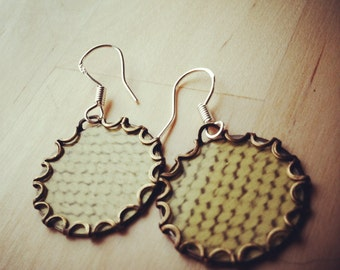 LINEN Vintage Tea Tin Floral Earrings