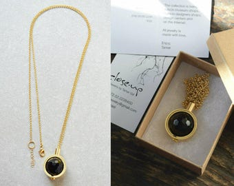 Onyx pendant, Onyx necklace, Long gold pendant necklace, Black jewelry women, Black necklace, Black and gold necklace, Gift for mom