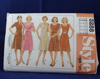 Pattern for a Woman's Dress in Size 14-16-18-20 - Style 3288