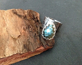SALE Sterling silver handmade labradorite embossed ring, hallmarked in Edinburgh